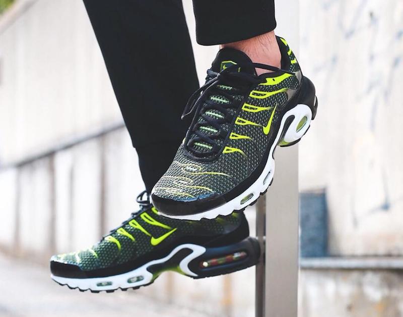 Nike air max lifestyle plus in schwarz und - männern schuhe premium lifestyle max bequeme turnschuhe 345442