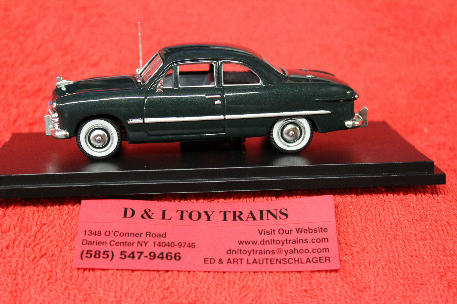 43-407 1949 Ford 2 Door Coupe NEW IN BOX