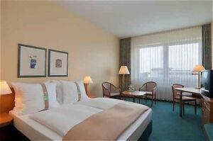 Holiday-Inn-Duesseldorf-Neuss-3T-2P-Fruehstueck-gratis-Getraenk-WLAN-Sauna