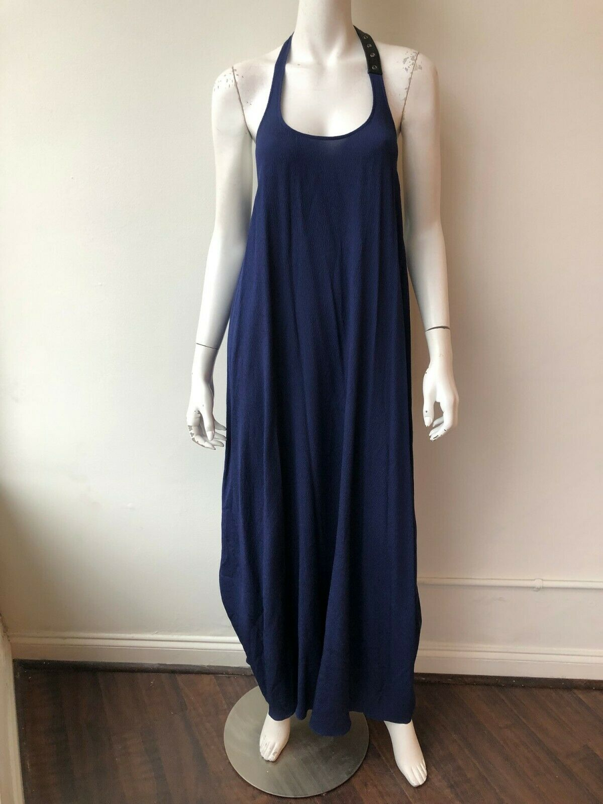 Chris Gramer Long Blau Dress with Leather Detailing Open Back Größe Medium