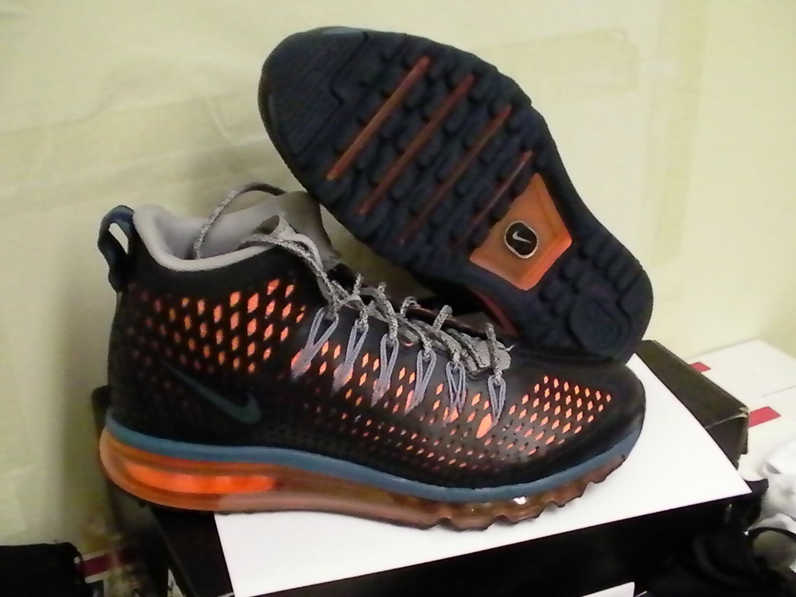 Nike air max Graviton running shoes size 8 us Great discount