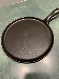 Vintage-Unmarked-Cast-Iron-8-Griddle-With-Heat-Ring-Restored