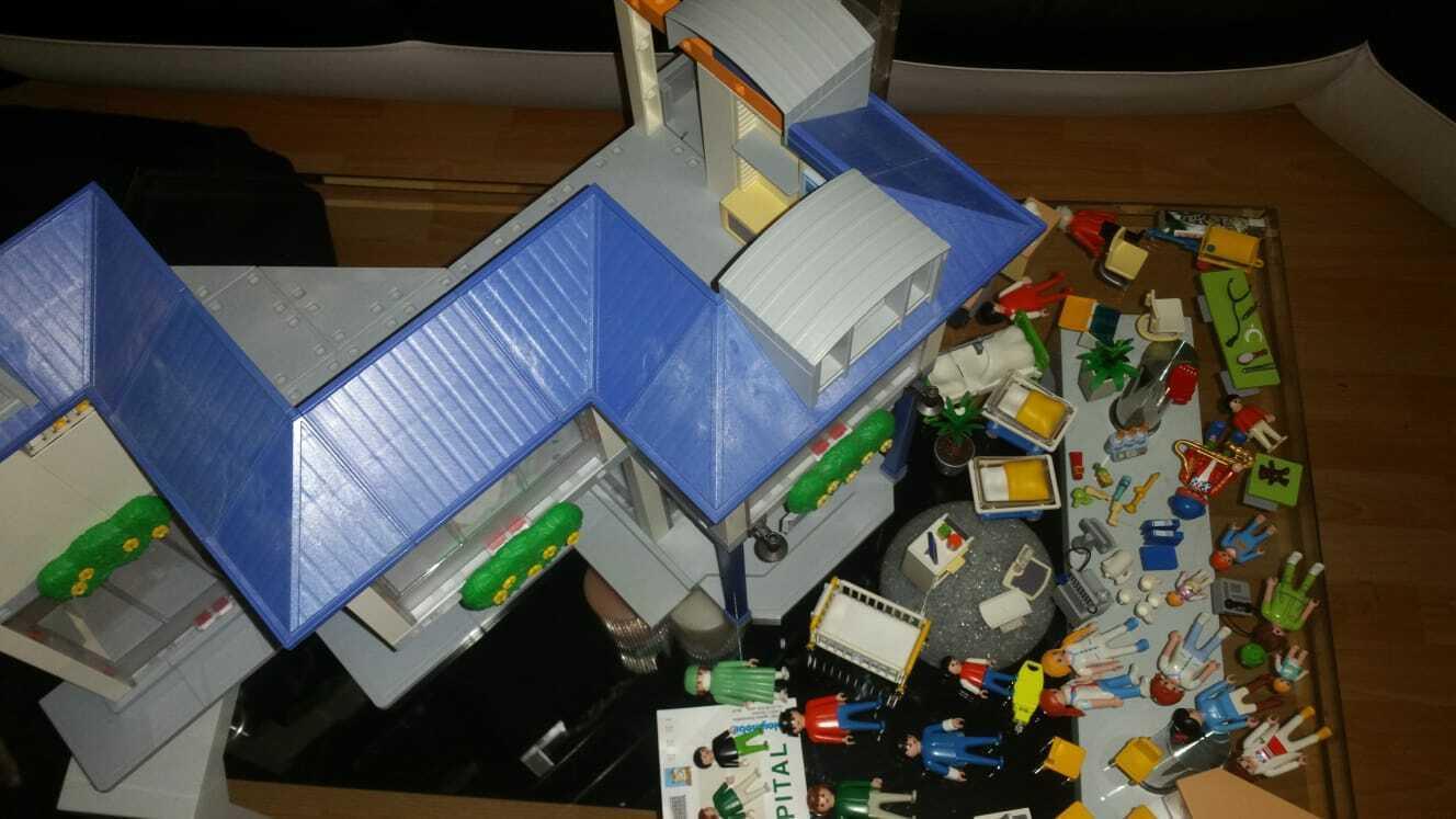 Playmobil 4404 großes Krankenhaus Klinik + Extras