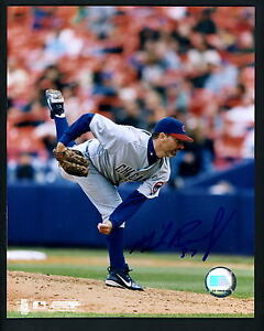 Mike Remlinger Signed Autographed 8 x 10 Photo Chicago Cubs