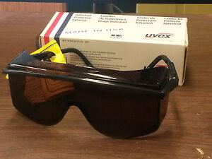 d49c22b599 Uvex S2506 Astro OTG 3001 Safety Eyewear Black Frame SCT- Gray Lens ...