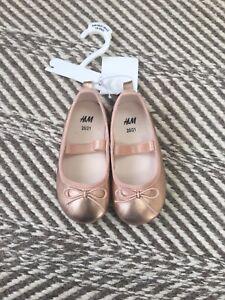 OLD NAVY Childrens Girls Pink Baller Slippers Top Hot Pink//Metallic 18-24 months