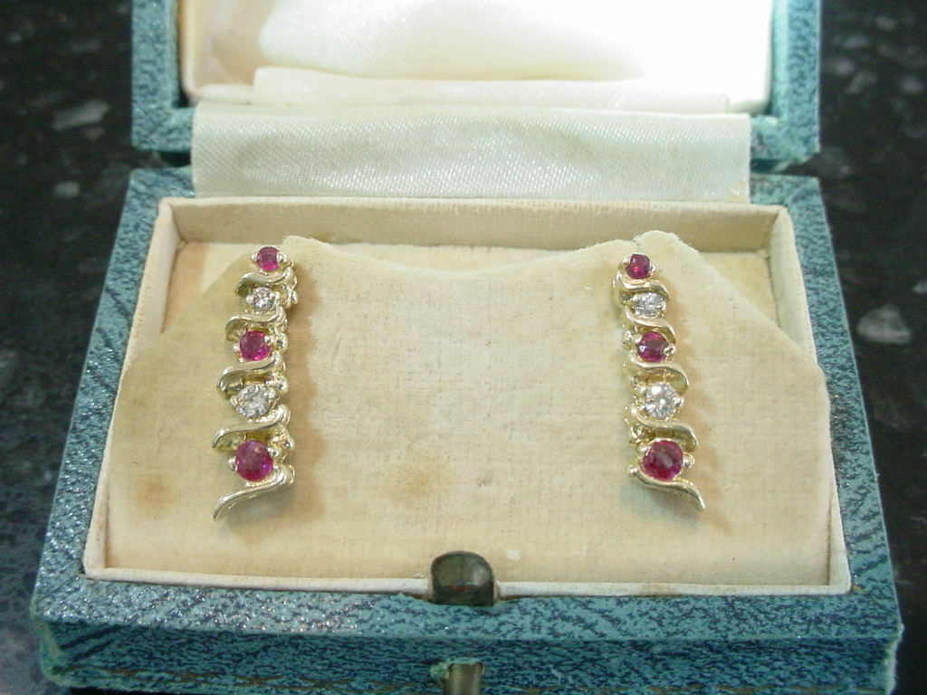 Vintage Retro Period 14k Yellow gold Natural Ruby & Diamond Earrings