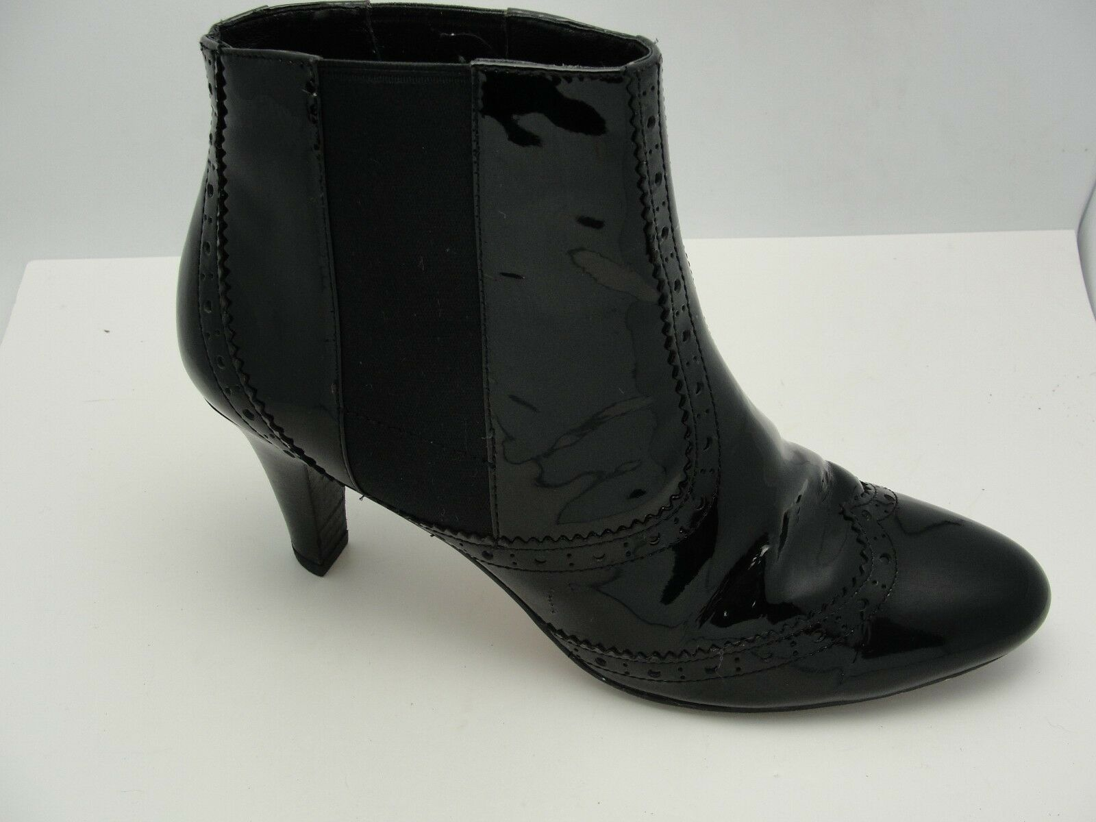 Cole Haan Black Patent Leather Wingtip Spectator Ankle Booties Heels Sz 6.5 B