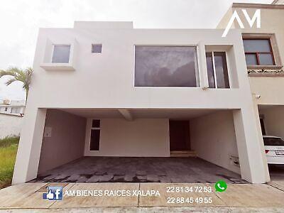 Casa en Xalapa con  4 R E C A M  A R A S  nueva  en Monte magno J A R D I N cochera techada