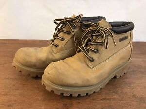 Boone and Crockett Lace Up Tan