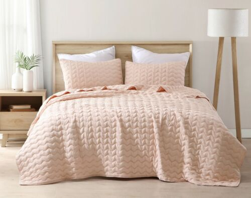 3-Piece Wave Embroidered Stitch Quilted Microfiber Bedspread Set Blush