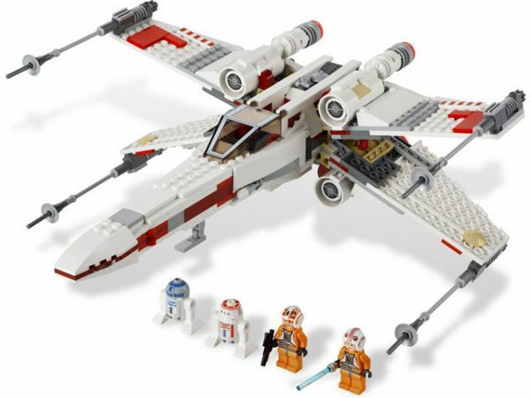 LEGO 9493 - STAR WARS - X-wing Starfighter - 2012 - Complete w/ Box