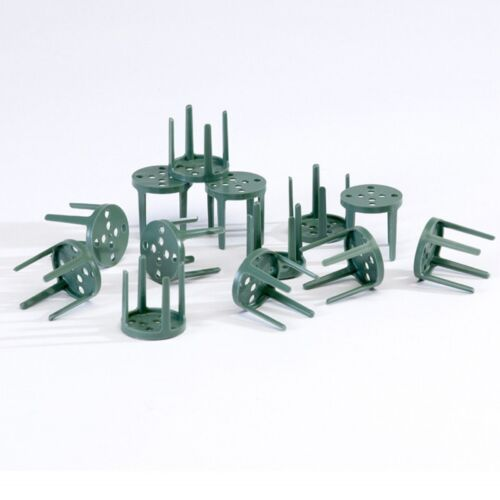 In Green Plastic Choice Of Quantities SKU 4030 Frogs OASIS® Pinholders