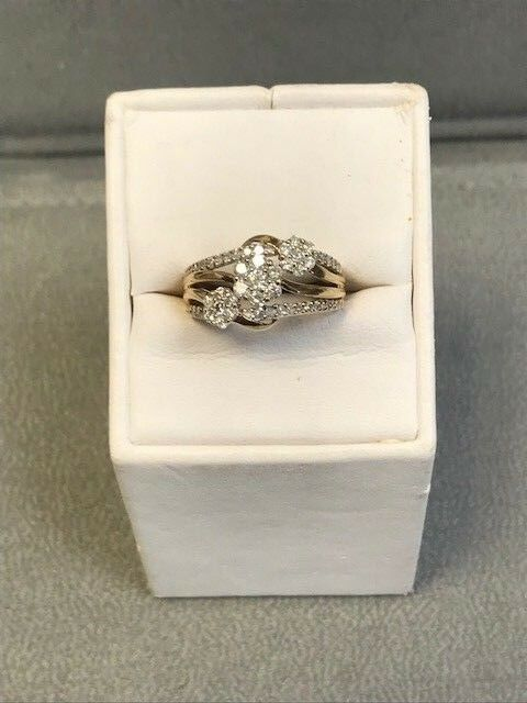 10k Yellow gold Diamond Flower Ring