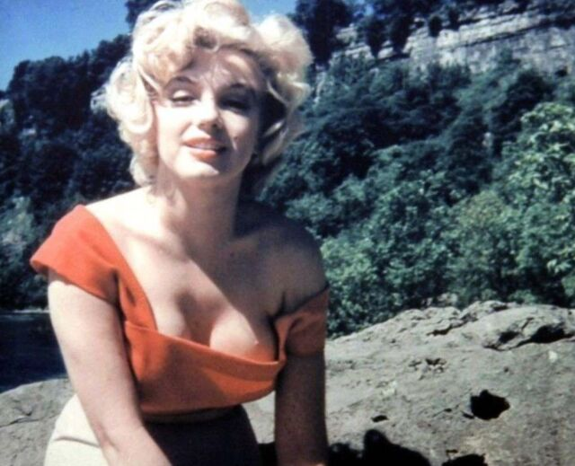 MARILYN MONROE MOVIE STAR 8X10 PHOTO