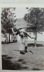 PHOTOGRAPH-OF-WWII-AMERICAN-SOLDIER-SMILING-SNEAK-ATTACK