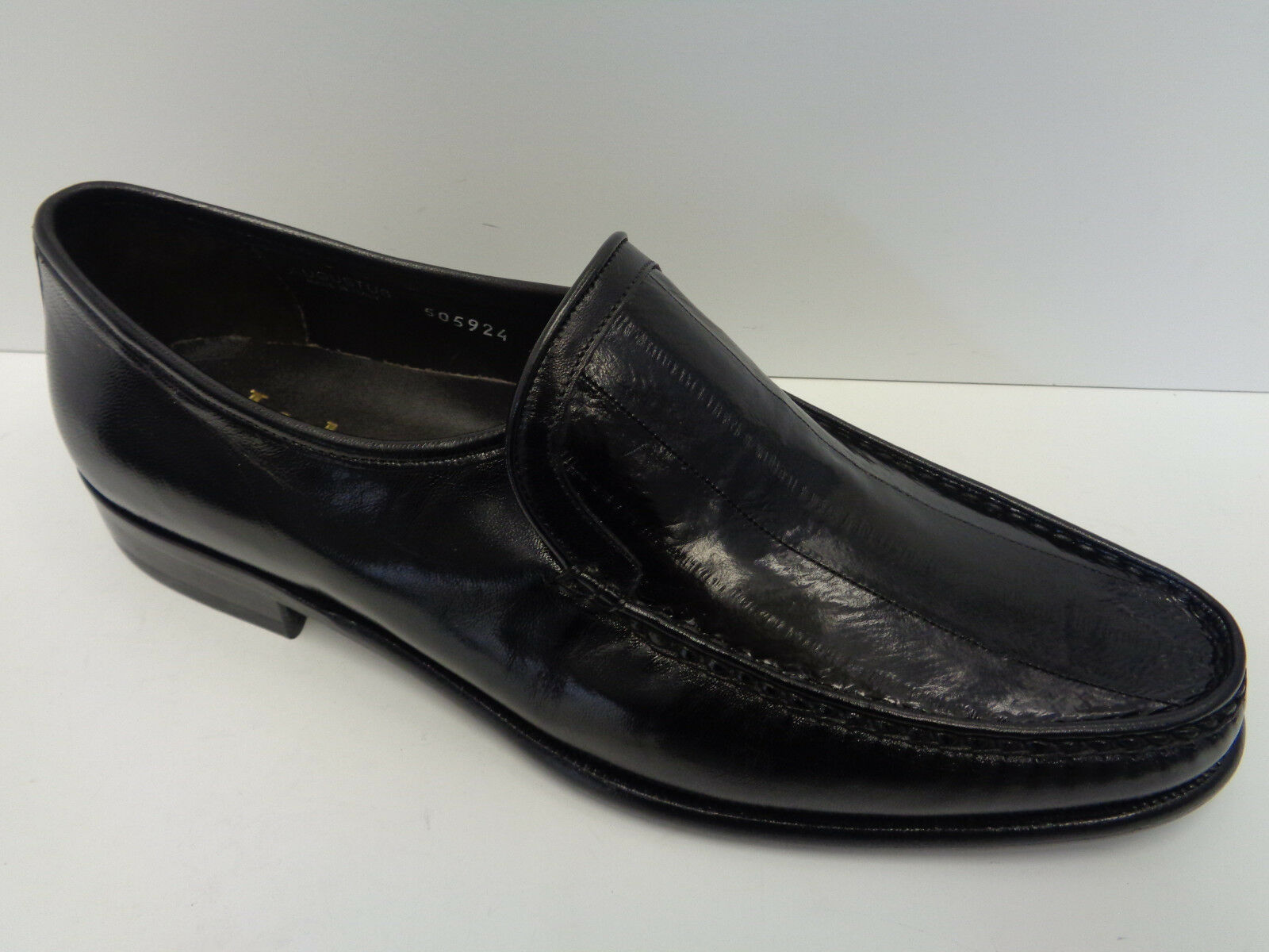 Mens Loake Lifestyle Black Italian Leather Slip On Shoes Augustus (Shop Soiled)