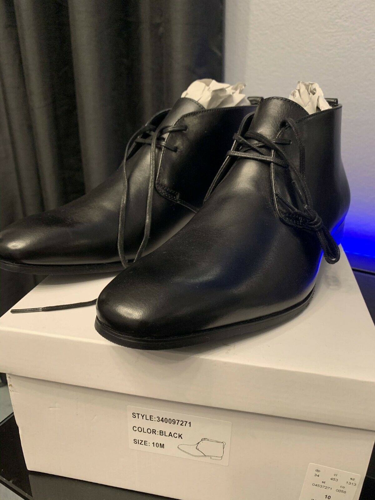 Express Men's Leather Dressy Chukka Boots 10 New with Tags and box