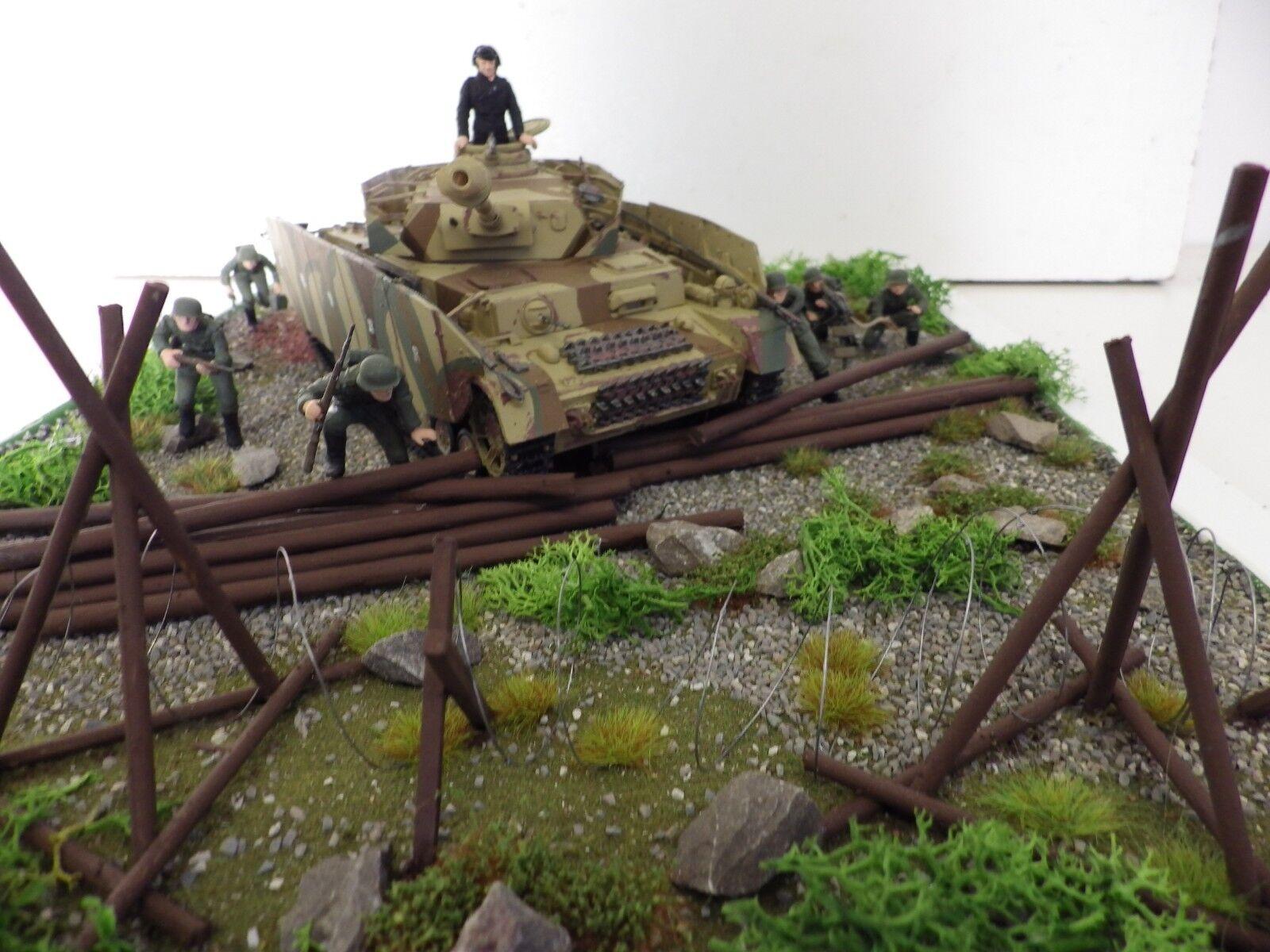 NEW  GERMAN  PANZERKAMPF WAGEN  1V AUSF.H  TANK   BUILT  SCENE 1 35 SCALE