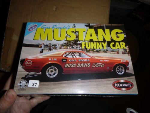 Polar Lights 6506 RUSS DAVIS GAS RONDA Mustang Funny 1//25 MODEL CAR MOUNTAIN FS