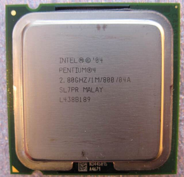 Intel Pentium 4 520J SL7PR 2.8 GHz//1MB//800FSB Base Socket LGA775 Prescott CPU