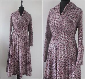 Vintage-1970s-Midi-Dress-Long-Sleeved-Winter-Animal-Print-Boho-Chic-Dress-M