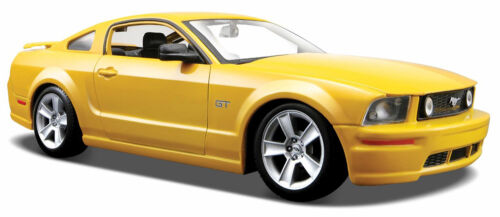 FORD MUSTANG GT 2006 1:24 Car metal model die cast models cars diecast metal