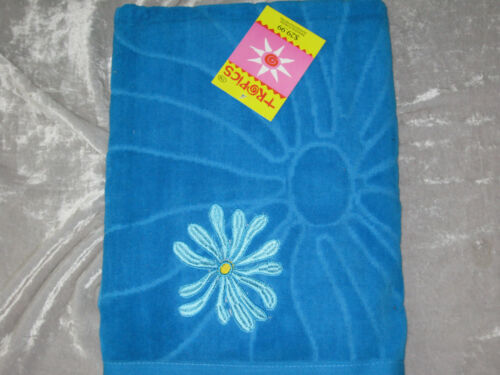 Tropics Colorful Embroidered Beach Towel 100/% Cotton Soft Absorbent NEW!
