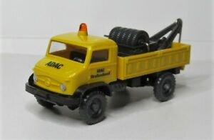 Wiking-1-87-Mercedes-Benz-Unimog-u-404-S-grua-ADAC-strassendienst