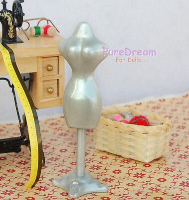 1//12 Dollhouse Miniature Woman Clothing Model White Material metal HS008B