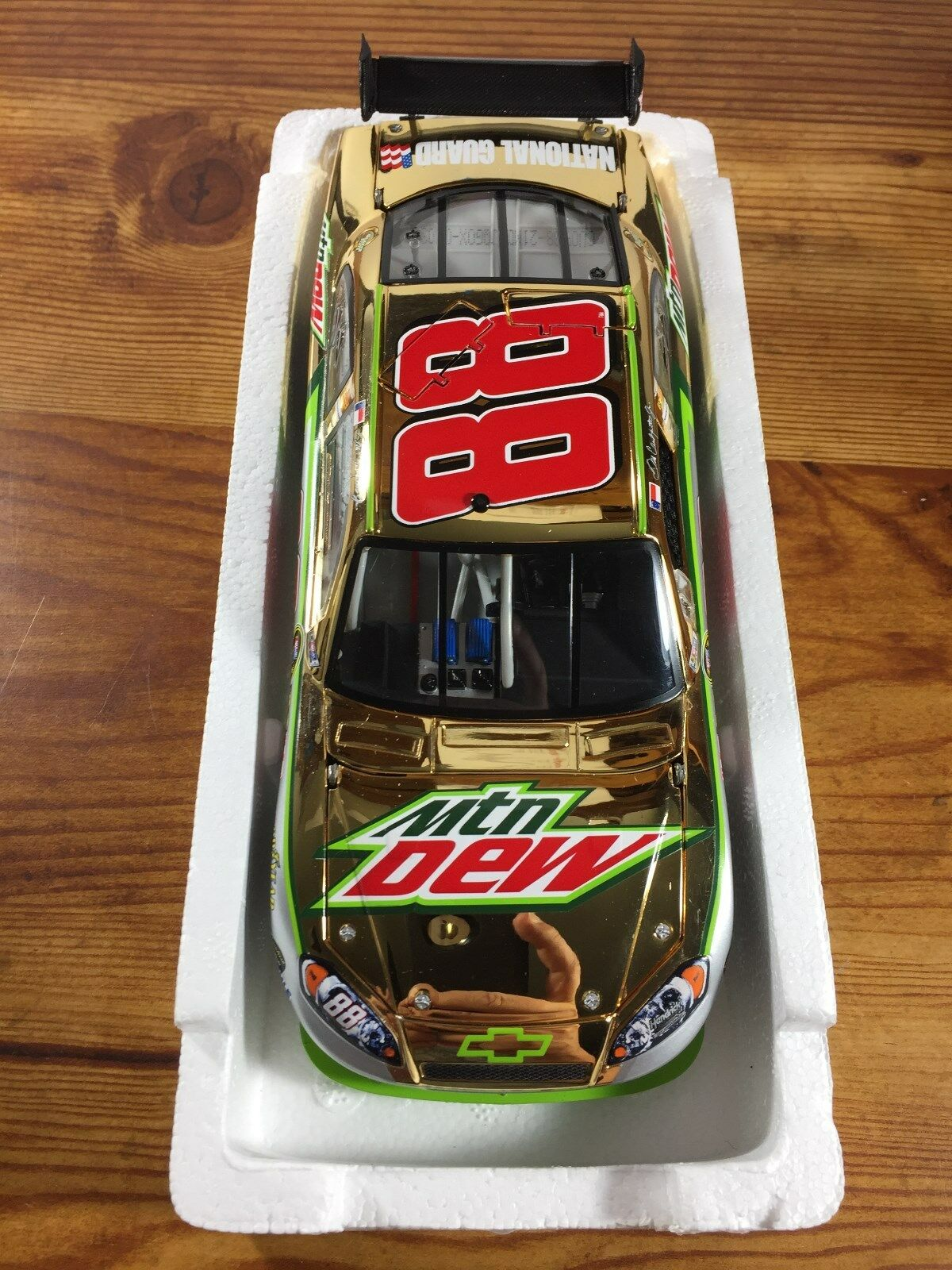 2009 Action MA DALE EARNHARDT  88 Mtn Dew COT oro  d 48 Diecast Nascar 1 24 NEW