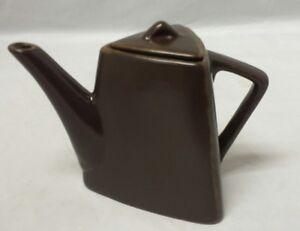 Designpac-Teapot-Triangular-Brown-Tea-Pot-Triangle-Stoneware-Art-Deco-Style