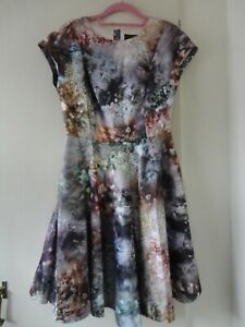 Ted-Baker-sequin-print-skater-style-dress-size-2-approx-8-10-nwt