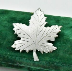 Vintage-Sterling-silver-brooch-pin-Maple-leaf-Art-Nouveau-statement-W551