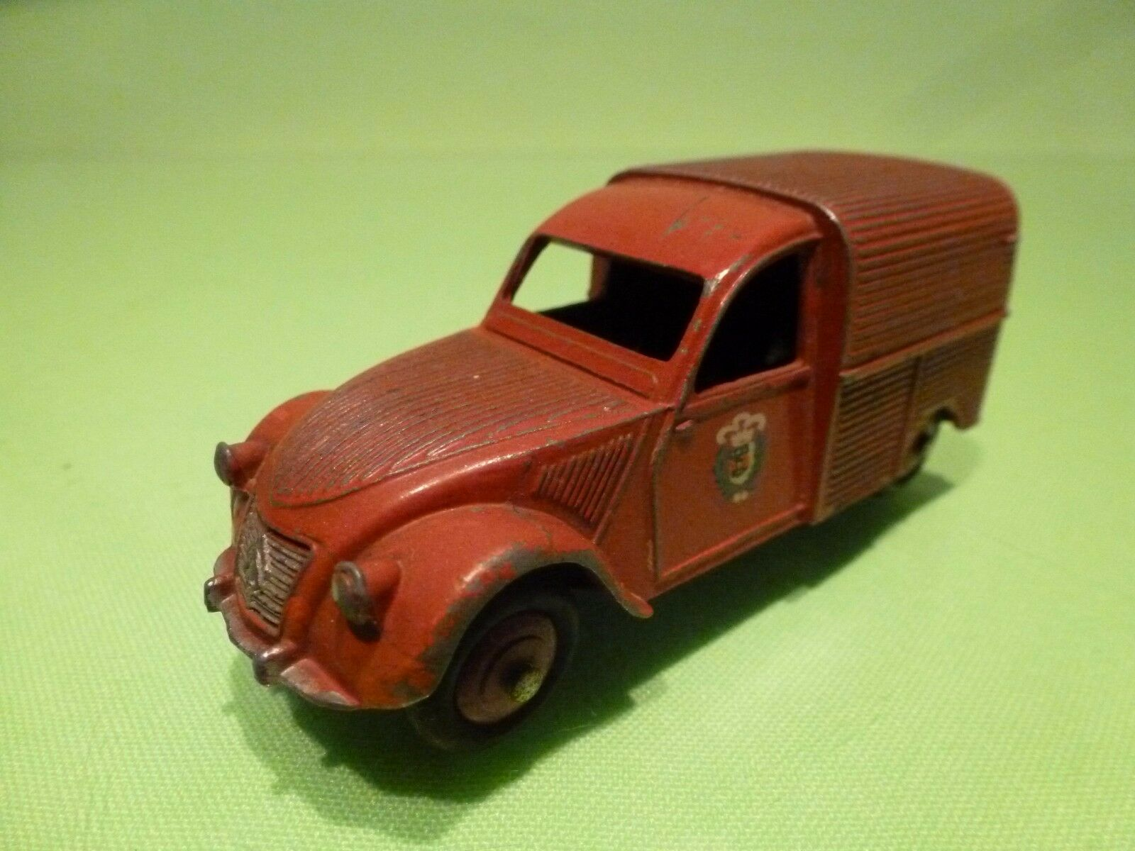 DINKY TOYS FRANCE 25D CITROEN 2CV FOURGONNETTE INCENDIE 1 43 - GOOD CONDITION
