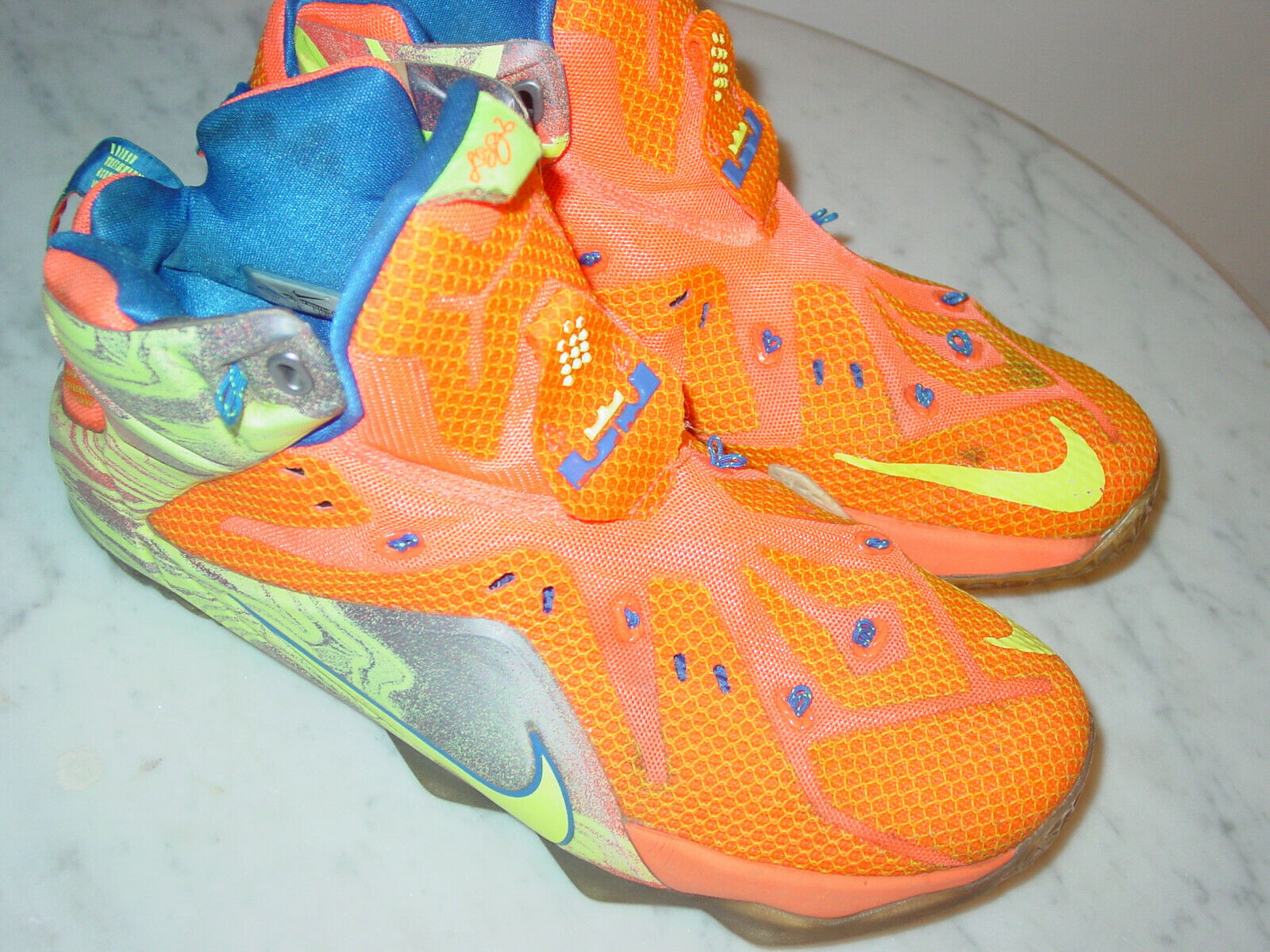 """2014 Nike Lebron 12 """"Six Meridians"""" Hyper Crimson shoes  Size 10 Sold As Is"""
