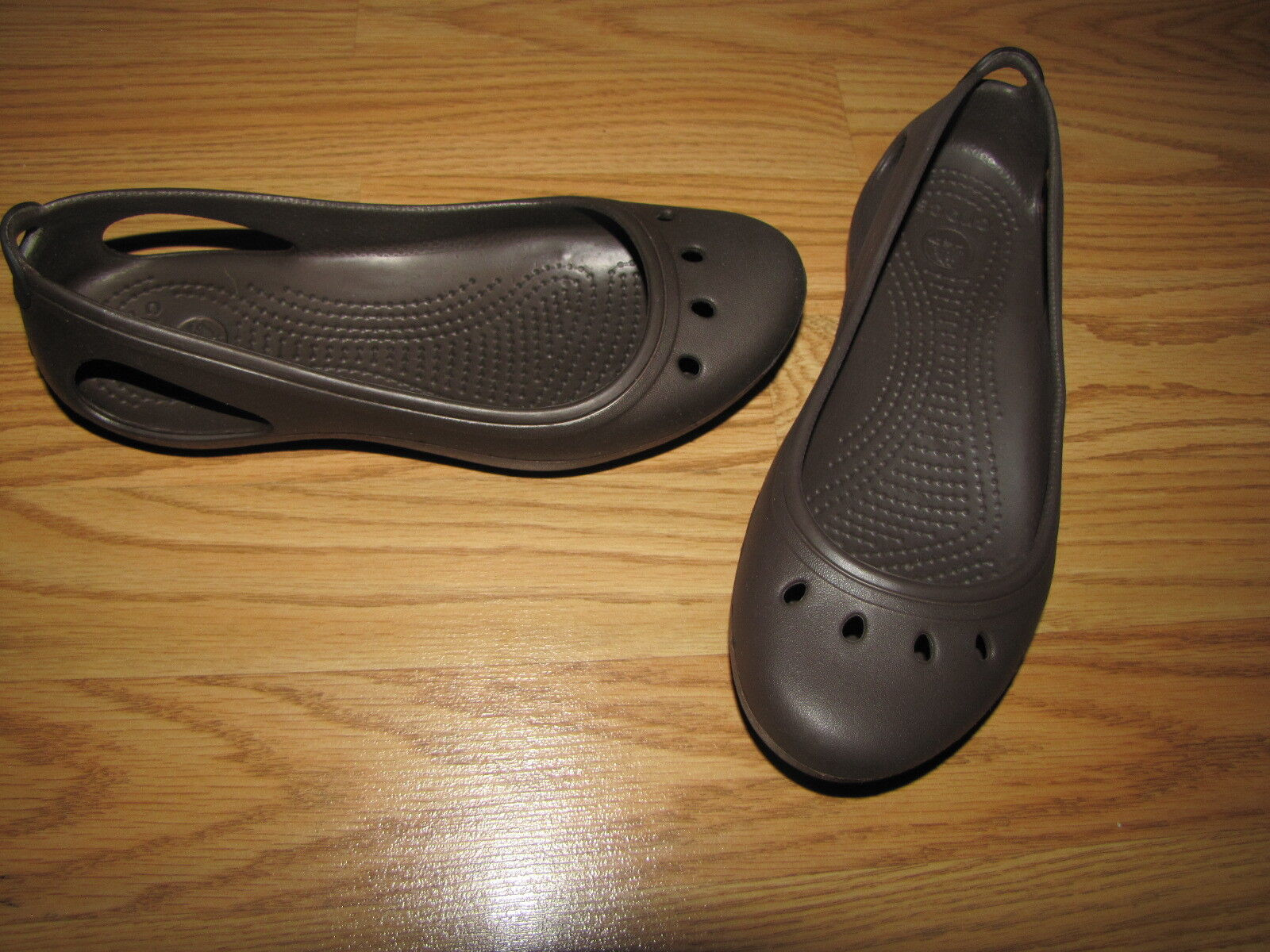 Crocs 6M Brown Ballet Flats - 6M Crocs European 36 EUC e7b915