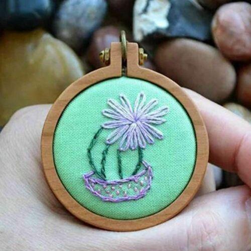 20Pcs 2.5cm Mini Embroidery Hoop Ring Wooden Hand Crafts Cross Stitch Frame Tool