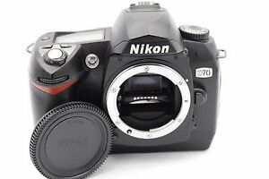 Nikon-D70-6-1MP-DIGITAL-CAMERA-BODY-ONLY-W-ACCESSORIES