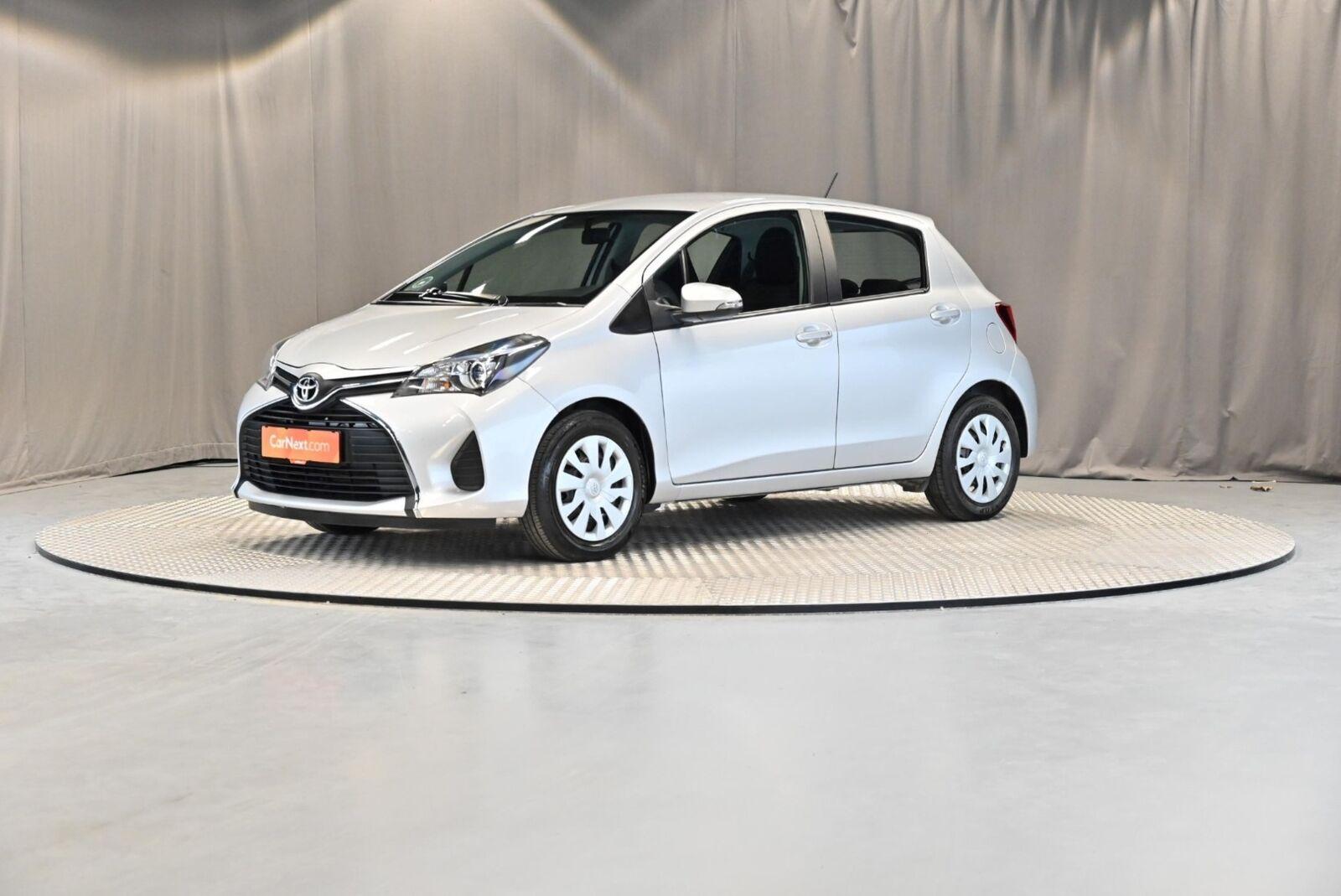 Toyota Yaris 1,0 VVT-i T2 5d - 89.900 kr.