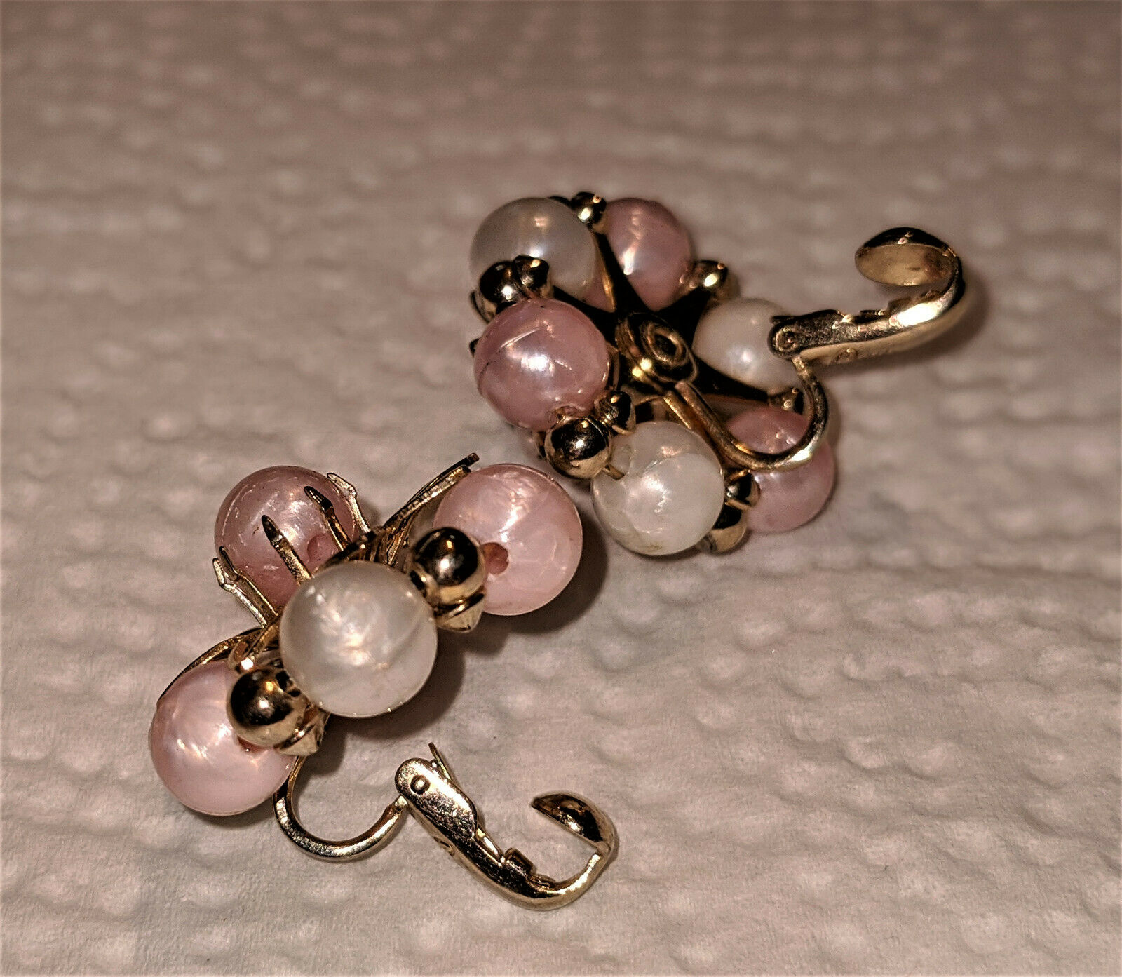 Vintage Coro Faux Pearl Ivory and Peach Bead Clip… - image 5