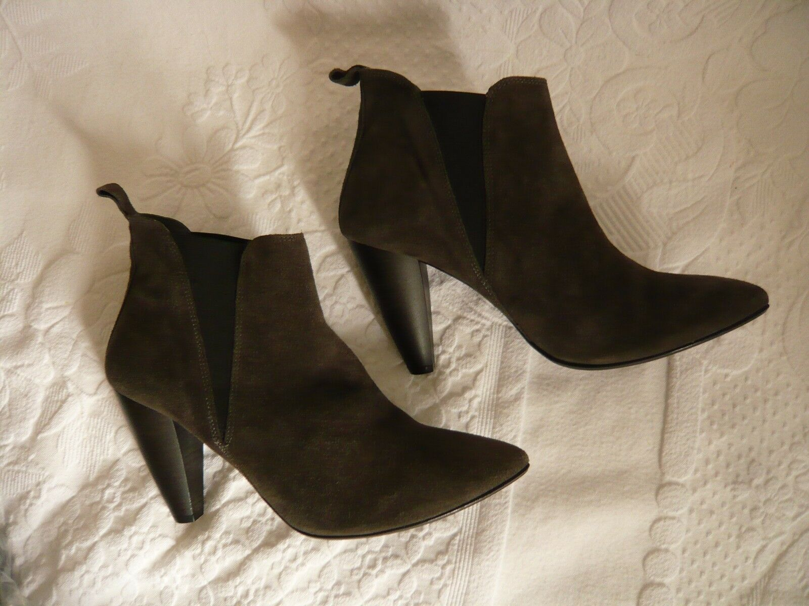 Jones Grey Real Suede Pull On Ankle Boots Size 42 8