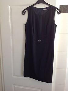 edles Kleid Gr. 36 dunkelblau mit feinen Details Betty barclay top Zustand