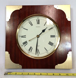 Talking Vintage 70s 80s Seiko Wood Gold Hollywood Regency