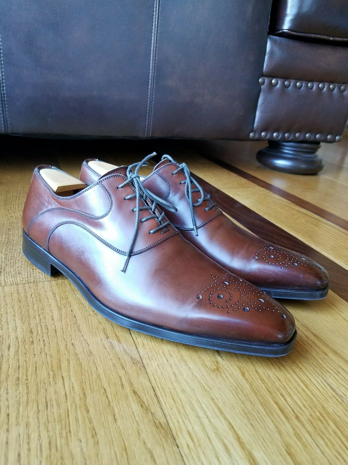 migliore offerta Magnanni Medallion Toe Marrone Calf Leather Dress Oxford scarpe scarpe scarpe Sz 9.5 M Made Spain  basso prezzo del 40%