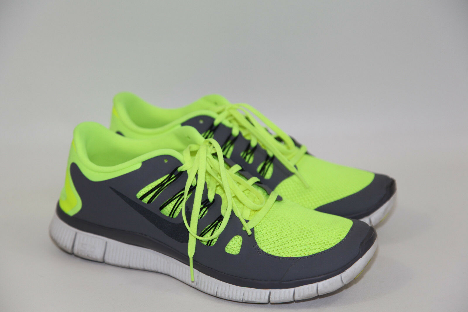 NIKE  Free Trainer 5 Size 11.5