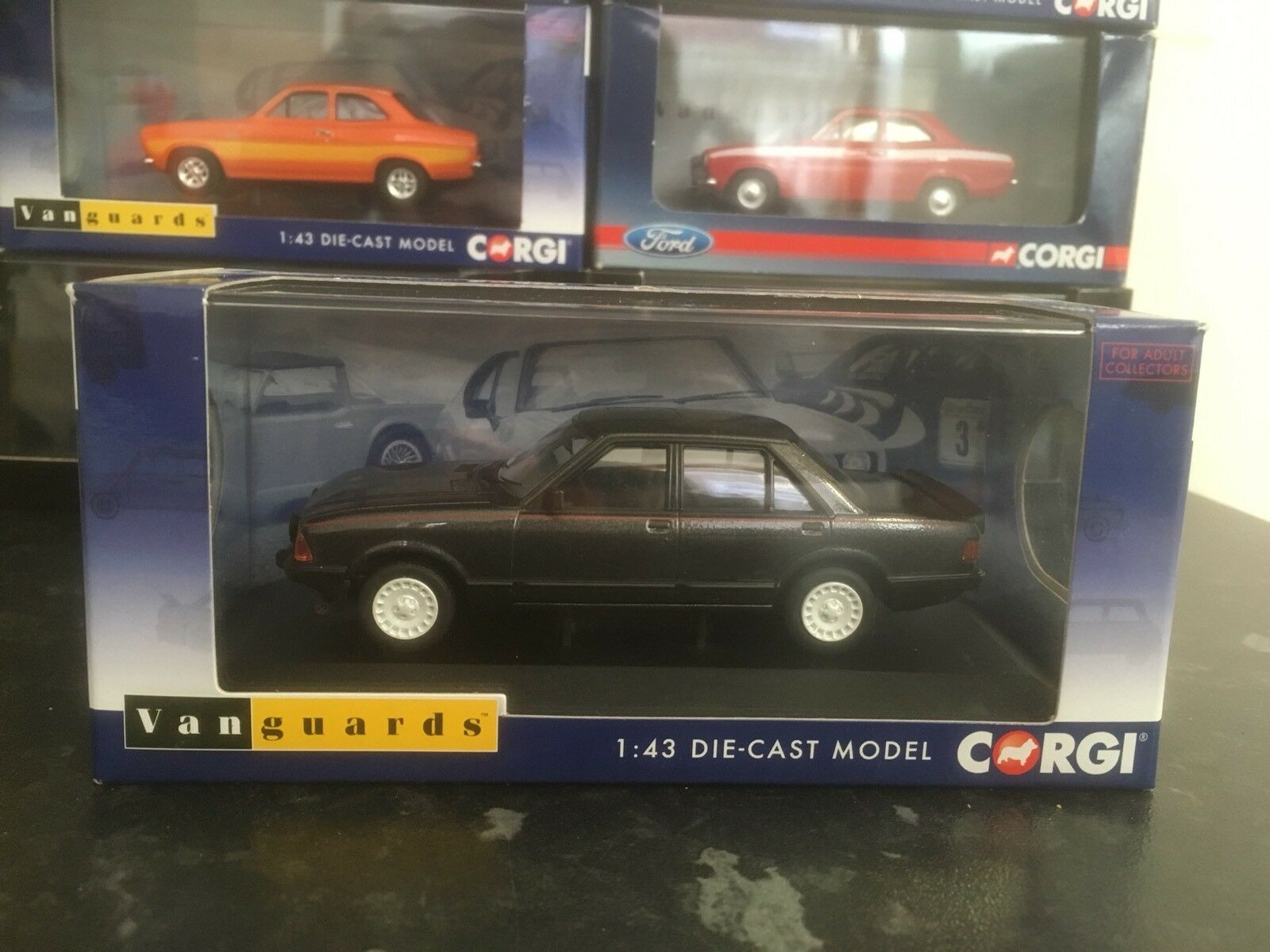 Vanguards Ford Granada Mk2 2.8i Graphite Grey 1 43 MIB Ltd Ed VA12409