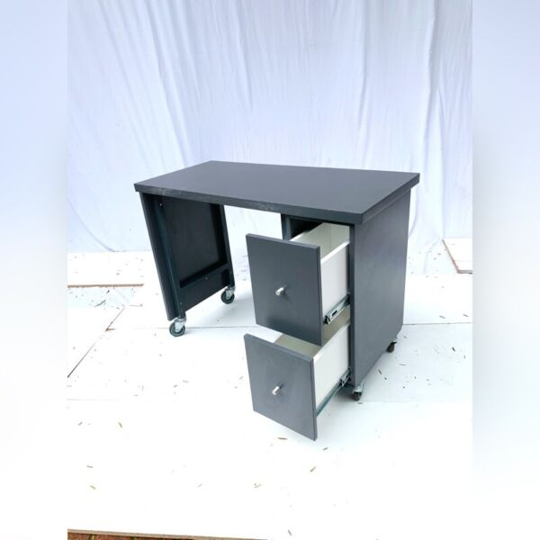 Manicure Nail Table For Sale Century City Gumtree Classifieds South Africa 830976795
