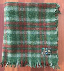 Irish-Wool-Blanket-Stadium-Lap-Car-Throw-Green-Red-Plaid-Fringe-Lucan-57x48-E6