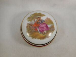 Vintage-Round-French-Limoges-Portrait-Porcelain-Dresser-Trinket-Box